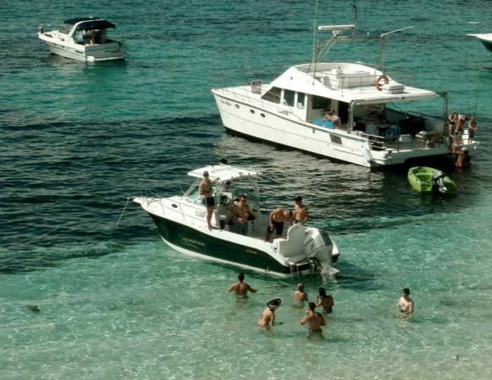Party boat cruise near Rottnest Island